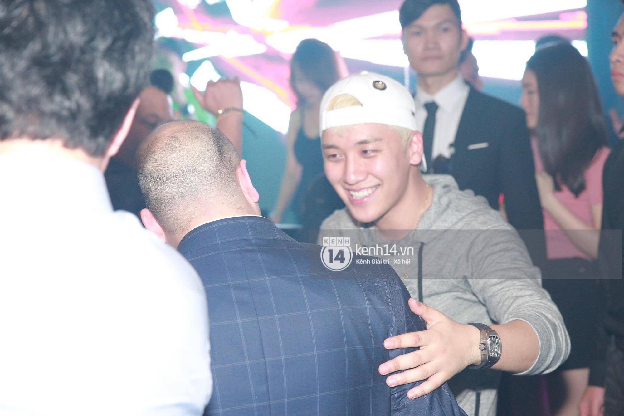4 lần tới Việt Nam, Seungri không quẩy bar hết mình thì cũng lộ ảnh hút bóng cười gây sốc - Ảnh 14.