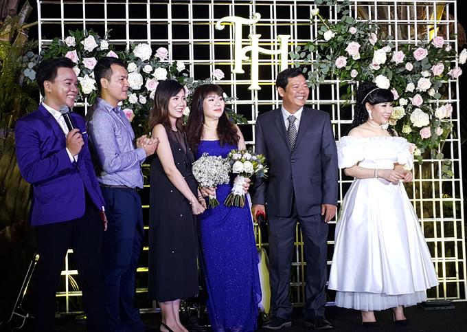 """Vợ mới cưới của Trương Nam Thành bức xúc vì tin đồn """"trốn chụp ảnh chung với khách"""" - 3"""