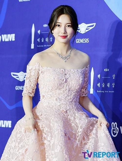 Vẻ đẹp nữ thần của Suzy trên thảm đỏ Baeksang 2019 được ca ngợi hết lời - Ảnh 6