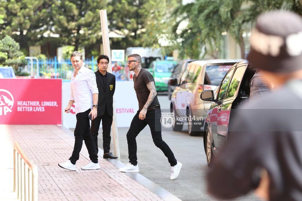 Cuối cùng David Beckham đã xuất hiện tại sự kiện ở TP.HCM: Ngôi sao quốc tế chuẩn bị gặp gỡ 2 cầu thủ Việt đình đám - Ảnh 7.