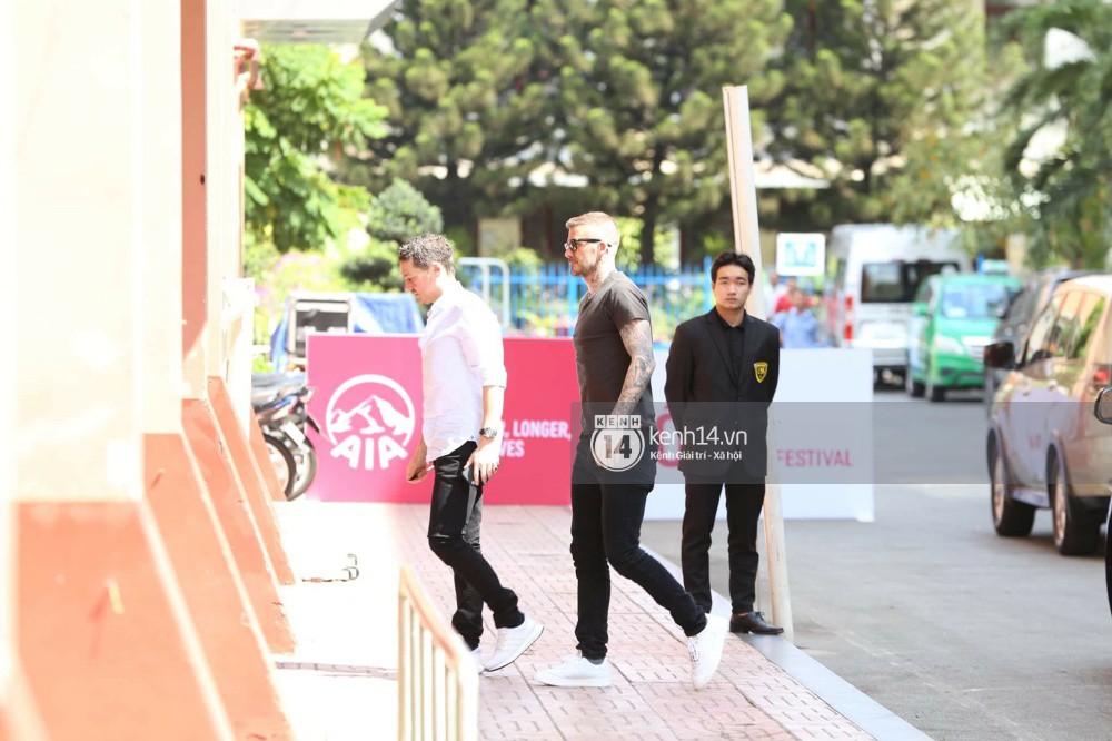 Cuối cùng David Beckham đã xuất hiện tại sự kiện ở TP.HCM: Ngôi sao quốc tế chuẩn bị gặp gỡ 2 cầu thủ Việt đình đám - Ảnh 8.