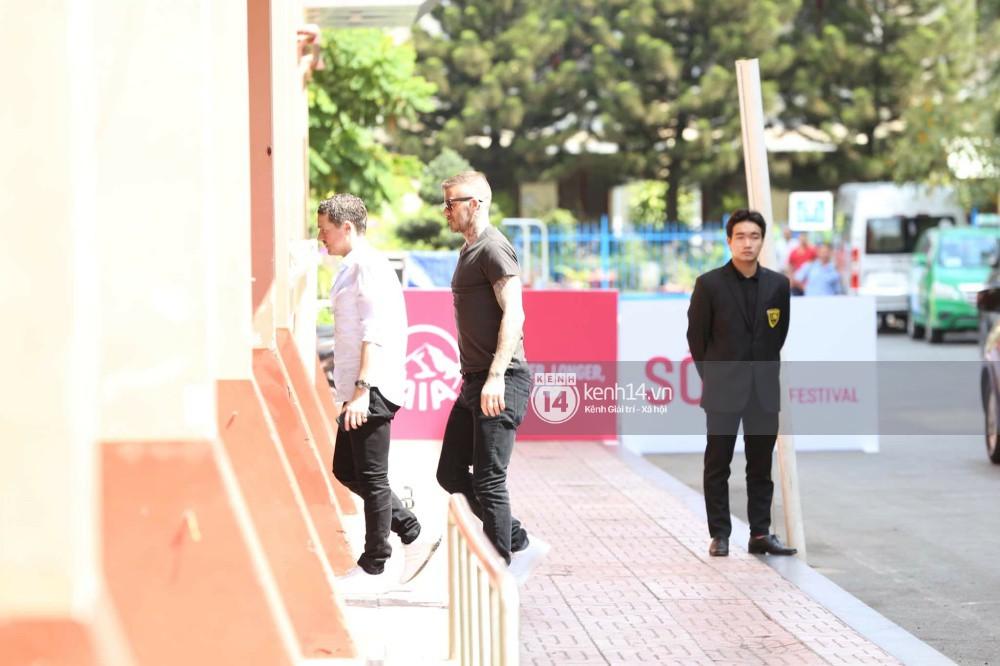 Cuối cùng David Beckham đã xuất hiện tại sự kiện ở TP.HCM: Ngôi sao quốc tế chuẩn bị gặp gỡ 2 cầu thủ Việt đình đám - Ảnh 10.