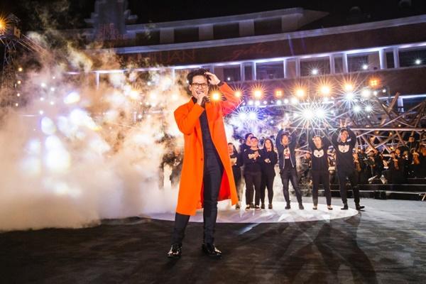 Khán giả xếp hàng, đội ô giữa trời mưa lạnh để được nghe Hà Anh Tuấn kể chuyện tình-17