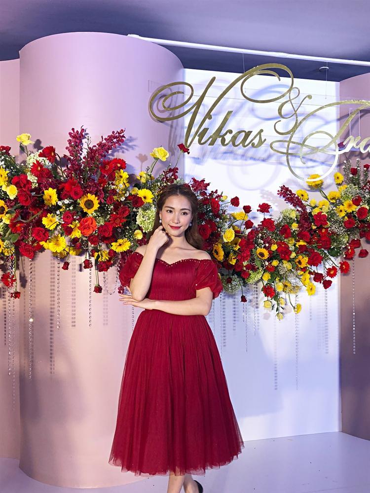 Bạn tốt như Hòa Minzy: Đi đám cưới Võ Hạ Trâm và chúc Chị cũng đừng quá VUI VẺ và HẠNH PHÚC khi EM QUÁ XINH ĐẸP - Ảnh 1.