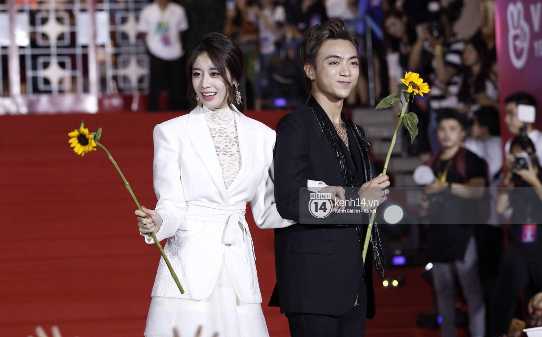 Soobin Hoàng Sơn sánh đôi cùng Jiyeon (T-ara), nhưng chiếc cằm của anh mới là điều đáng chú ý! - Ảnh 4.