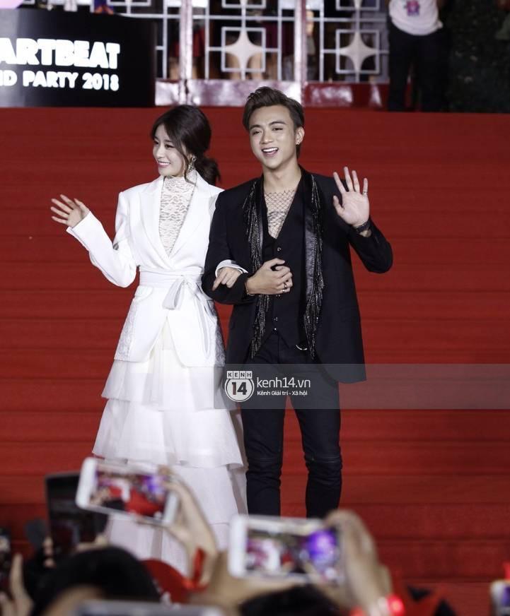 Soobin Hoàng Sơn sánh đôi cùng Jiyeon (T-ara), nhưng chiếc cằm của anh mới là điều đáng chú ý! - Ảnh 2.