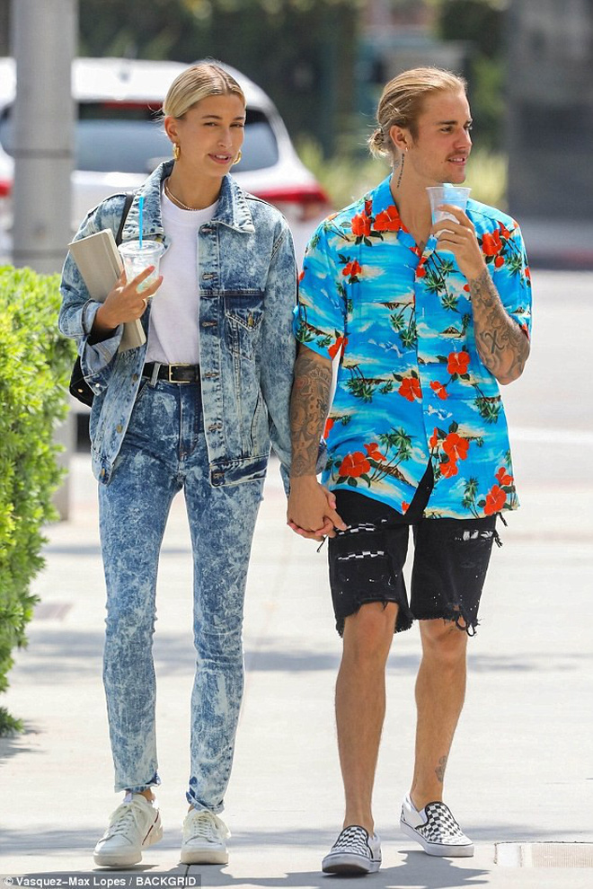 Trời ơi tin được không? Ông chú Justin Bieber cũng có ngày ra mắt sản phẩm thời trang