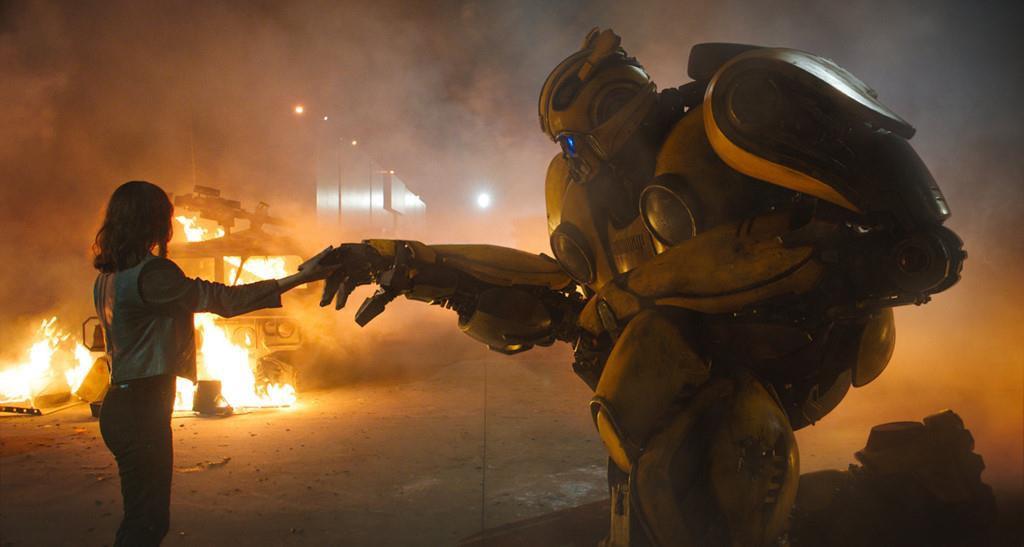 Điều gì biến Bumblebee từ robot trong phim trở thành idol trong lòng giới trẻ? - Ảnh 1.