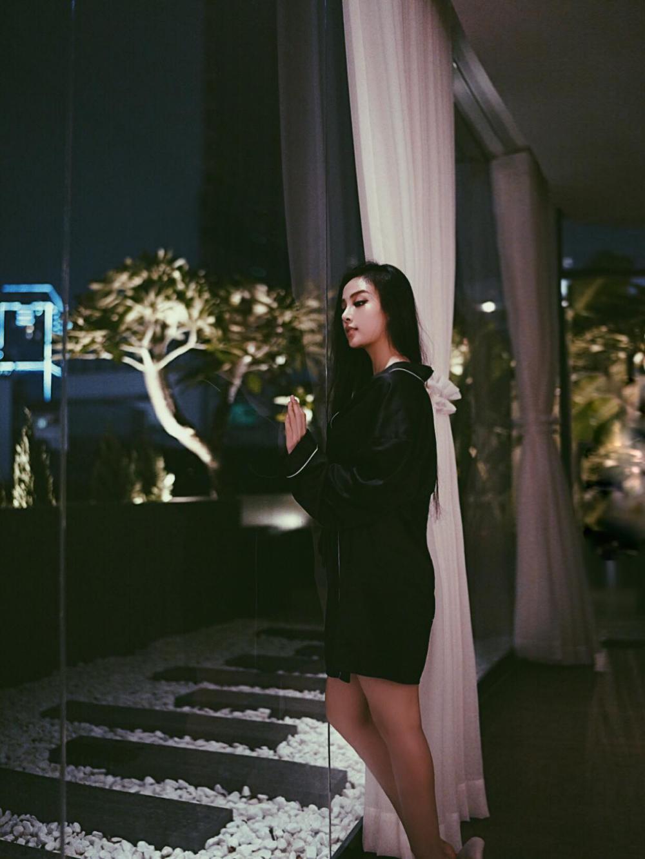 Nhà 5 triệu USD sang như khách sạn của hot girl Huyền Baby - 2