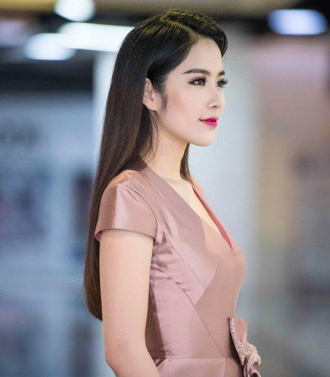 """Nhã Phương, Nam Em cạnh tranh ngôi vị """"nữ thần"""" với kiểu tóc đẹp - 11"""