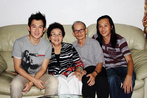 Hoài Linh tiết lộ ảnh đời tư hiếm thấy, lộ diện 5 anh chị em ruột thành đạt - 3