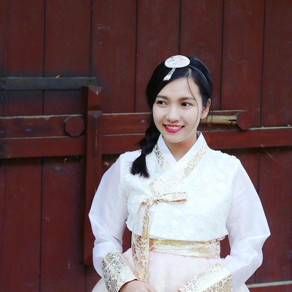 Chân dung cô gái xinh đẹp, kín tiếng sắp làm vợ rapper Đinh Tiến Đạt - 4