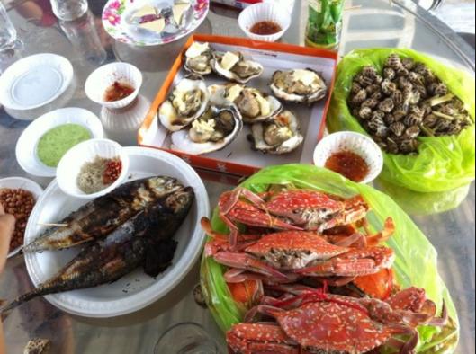 Bữa trưa ngập hải sản