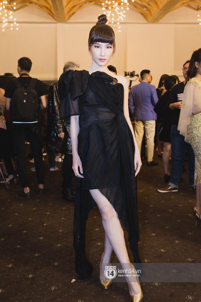 Hiếm hoi lắm mới thấy Mỹ Tâm lên đồ gắt thế này, Jolie Nguyễn phô trương với váy xẻ cao hết cả phần thiên hạ - Ảnh 17.