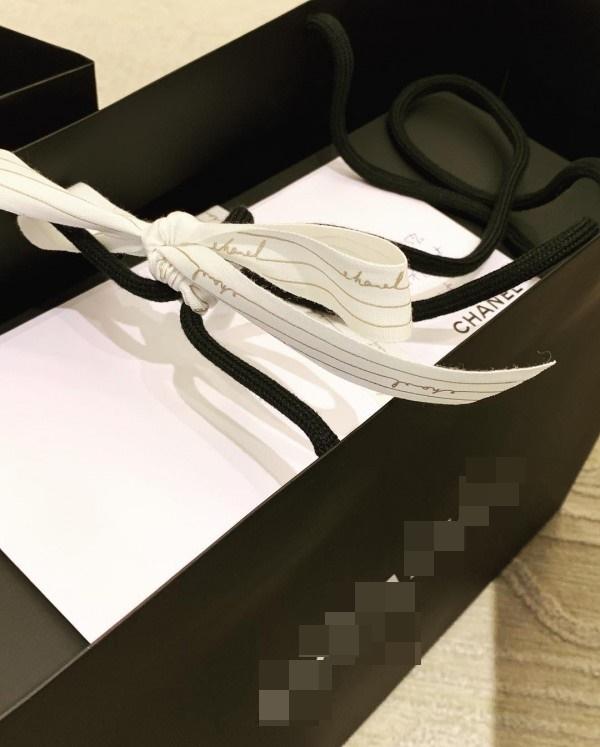 Hari Won khoe loạt quà khủng được Trấn Thành tặng nhân dịp 2 năm ngày cưới - Tin sao Viet - Tin tuc sao Viet - Scandal sao Viet - Tin tuc cua Sao - Tin cua Sao