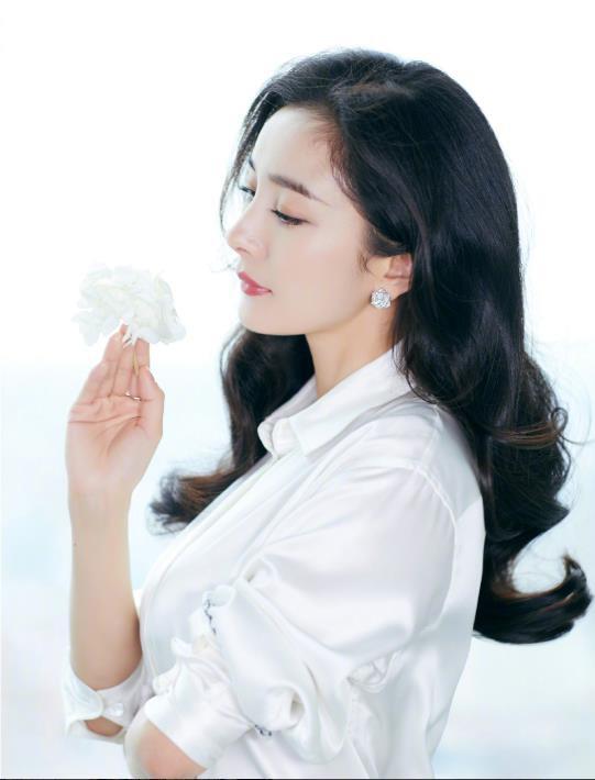 Bị mỉa mai 30 tuổi đóng vai thiếu nữ', Dương Mịch liền phản bác