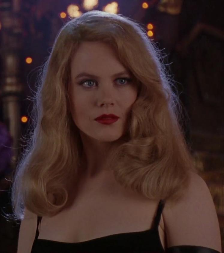 Nếu nói nhân vật của cô trong bộ phim này chỉ là bình hoa di động thì có thể khẳng định, Nicole chính là đóa hoa đẹp nhất trên màn ảnh.