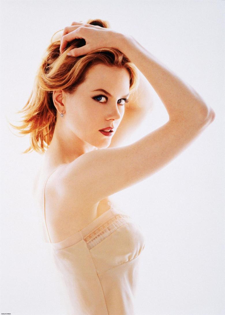 Nicole sinh ngày 20/06/1967, là một diễn viên người Australia, từng khiến cho biết bao khán giả thời đó phải thổn thức trước vẻ đẹp lộng lẫy choáng ngợp của mình.
