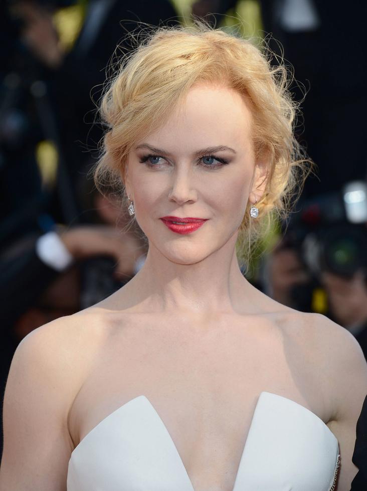 Nữ diễn viên thủ vai Atlanna là Nicole Kidman, một cái tên có lẽ chưa thật sự được nhiều khán giả trẻ biết đến, vì cô vốn là một diễn viên thuộc thế hệ trước, rất nổi tiếng trong những năm 1990.