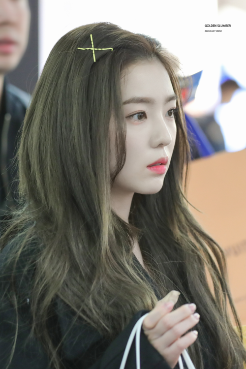 Ngày 9/1, topic có tên Vì sao Irene cứ ngày càng xinh đẹp theo thời gian? nhận được nhiều sự quan tâm của netizen xứ Hàn. Những bức ảnh thời gian gần đây của Irene được tác giả đăng tải kèm theo những bình luận bày tỏ sự ngỡ ngàng trước nhan sắc mỹ nhân Red Velvet.