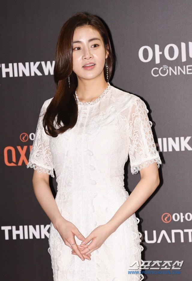 Tình cũ Hyun Bin lộ ảnh hẹn hò với Son Ye Jin, Kang Sora lại phản ứng bất ngờ trong lần đầu xuất hiện - Ảnh 5.