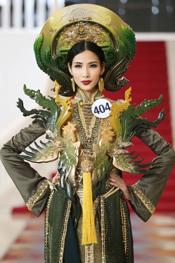 Sự ủng hộ nhiệt tình từ fan quốc tế sẽ là lợi thế lớn cho Hoàng Thùy nếu cô nàng tham gia Miss Universe - Hoa hậu Hoàn vũ 2019 được tổ chức tại Hàn Quốc.