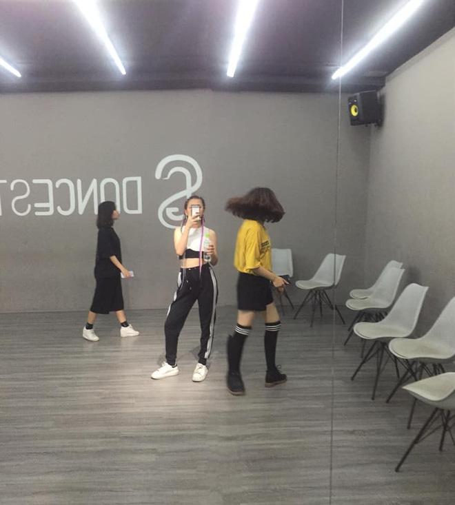Rộ hình ảnh chủ tịch Big Hit về Việt Nam, fan đứng ngồi không yên với viễn cảnh sắp gặp BTS - Ảnh 5.