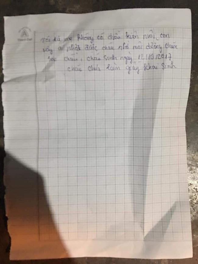 Bình Phước: Bé gái 14 tháng tuổi khóc thét khi bị mẹ bỏ rơi, kèm theo tờ giấy nhờ người khác nuôi hộ - Ảnh 2.