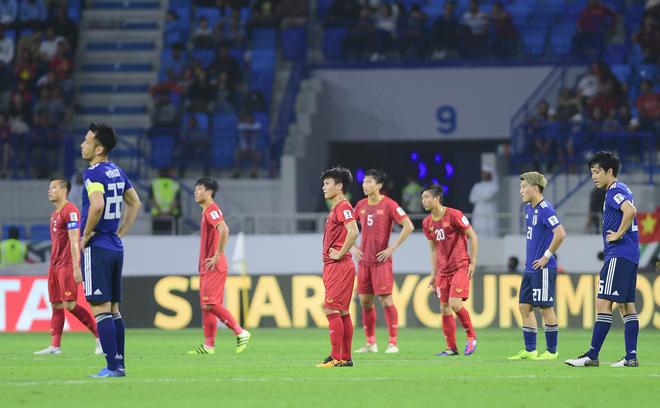 Đội tuyển Việt Nam: Ngẩng cao đầu vì các bạn thật sự xứng đáng - Ảnh 2.