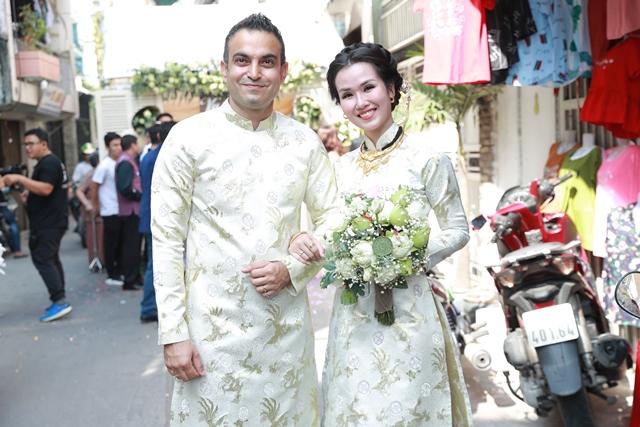 Hình ảnh Võ Hạ Trâm bất ngờ lên tiếng về màn chúc đám cưới kém duyên của Hòa Minzy số 2