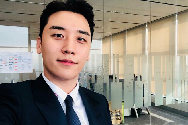 YG lên tiếng trước cáo buộc Seungri môi giới mại dâm, cổ phiếu tuột dốc không phanh - Ảnh 1.
