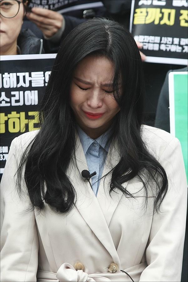 Nữ diễn viên tiết lộ lý do cô không thể công bố danh sách 31 cái tên quyền lực đã làm hại cuộc đời Jang Ja Yeon