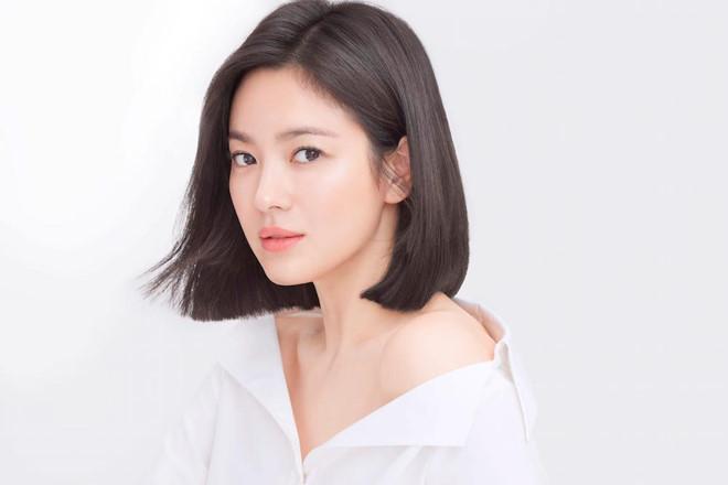 Song Hye Kyo khoe nhan sac o tuoi U40 giua vu ly hon on ao hinh anh 7