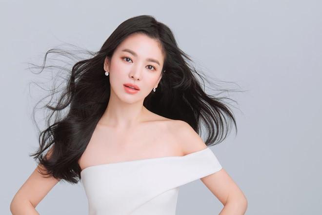 Dan mang Han Quoc chi trich Song Hye Kyo sau vu ly hon hinh anh 2