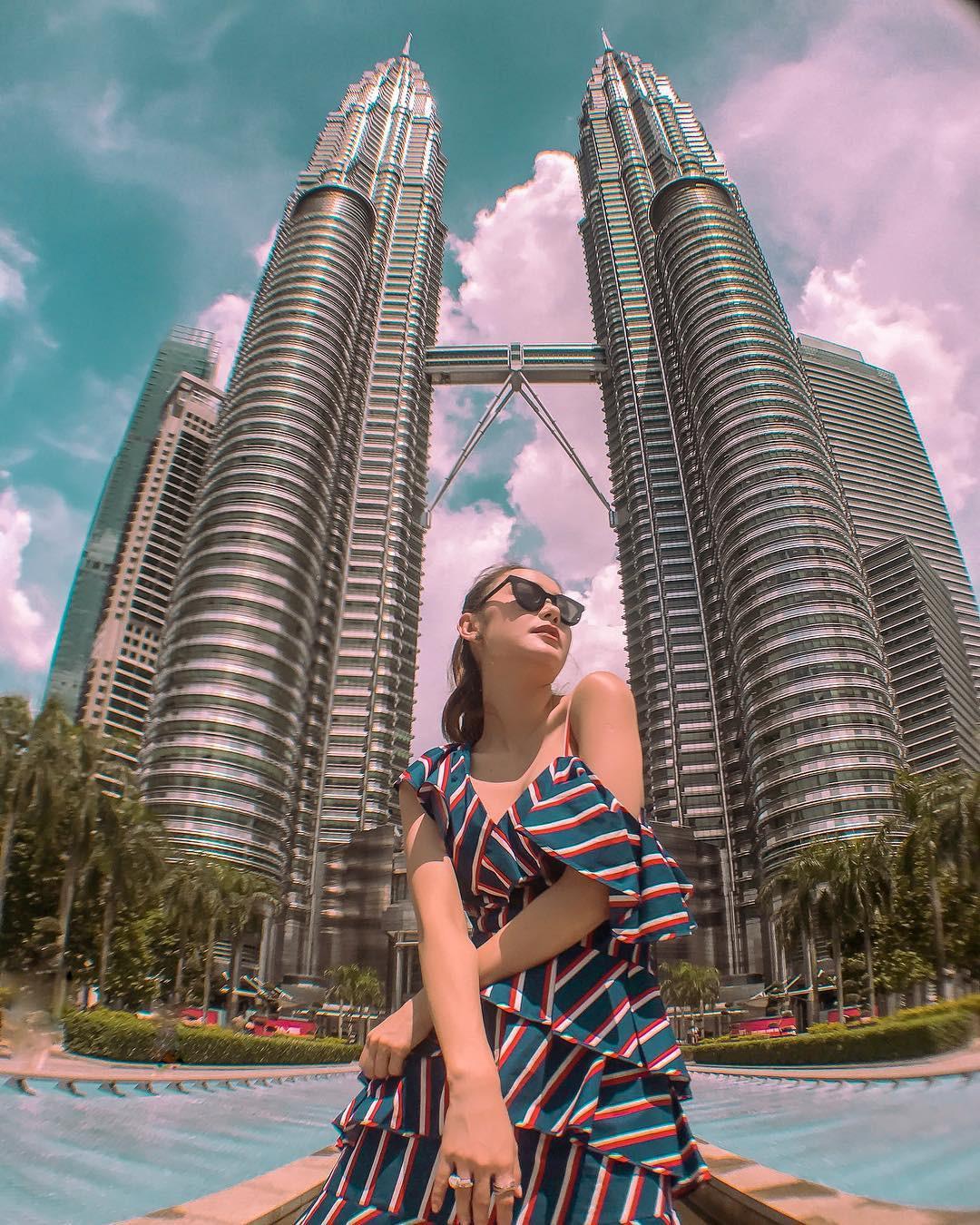 Có cả triệu người chụp ảnh dưới toà tháp Petronas Twin Tower nhưng không phải ai cũng biết bí quyết để có tấm ảnh lung linh nhất - Ảnh 3.
