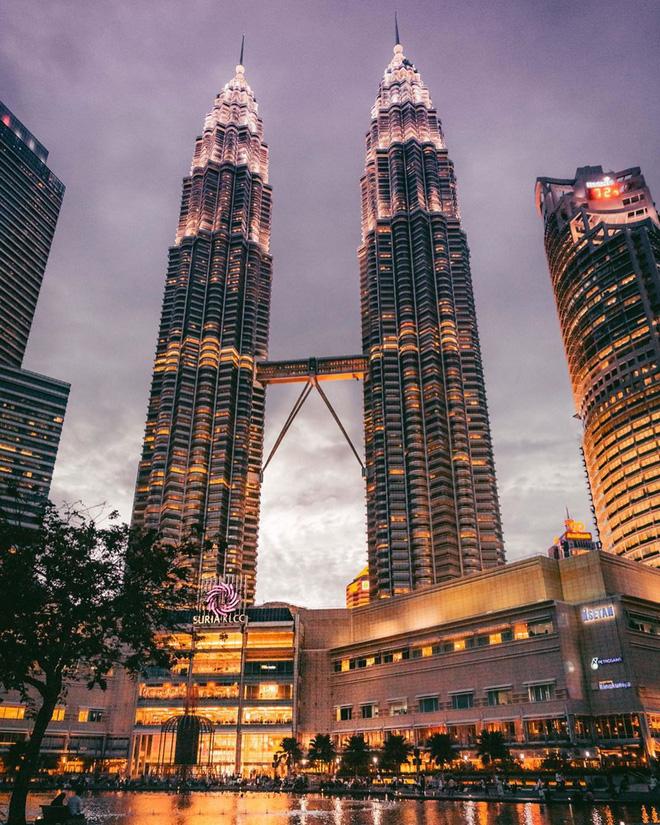Có cả triệu người chụp ảnh dưới toà tháp Petronas Twin Tower nhưng không phải ai cũng biết bí quyết để có tấm ảnh lung linh nhất - Ảnh 2.