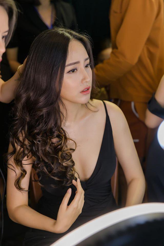 Mai Phuong Thuy thich mac vay ao ho vong mot hinh anh 7