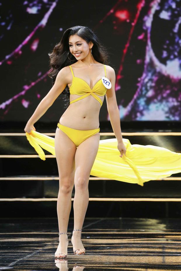 Diện bikini một mảnh, dàn thí sinh Hoa hậu Hoàn vũ VN 2019 có kín đáo, kém gợi cảm hơn hẳn các mùa giải trước? - Ảnh 4.