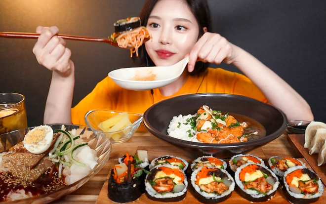 """7 nữ YouTuber mukbang đình đám nhất xứ kim chi hiện nay: Đọ số liệu mới thấy ai """"khủng"""" nhất, đi đôi với nổi tiếng là… tai tiếng - Ảnh 9."""