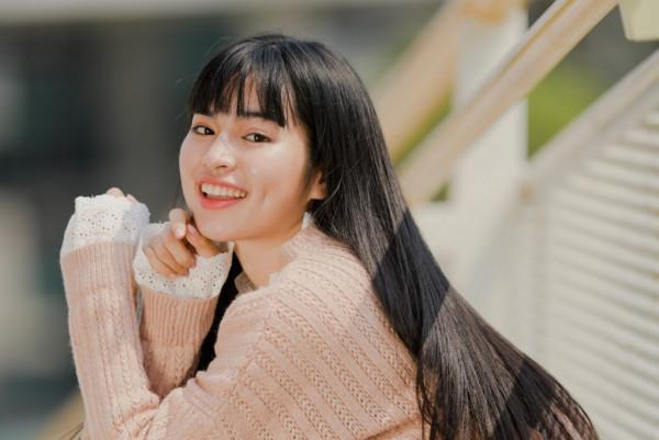 """Diễn viên Khánh Vân: Từ hot girl mạng đến """"nàng thơ"""" gây thương nhớ"""