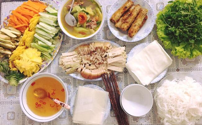 Tối nay ăn gì: 30 thực đơn giúp bạn khỏi đau đầu nghĩ hôm nay ăn gì