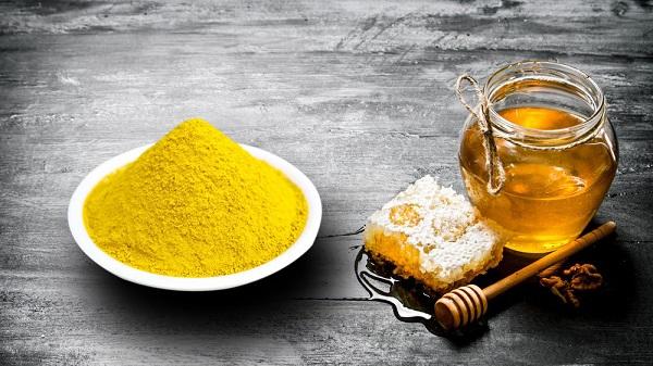 Cách làm mặt nạ tinh bột nghệ mật ong đắp mặt dưỡng da cực tốt